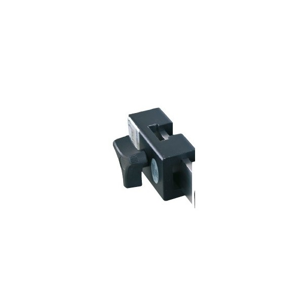 Blade clamp