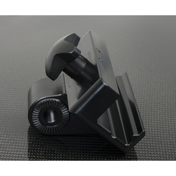 Carbon fiber clamp dedicated to radiolucent headrest